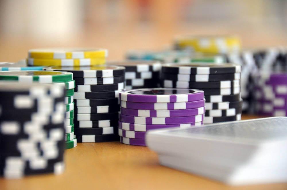 klassische Kartenspiele als Einstieg in die Spieleentwicklung